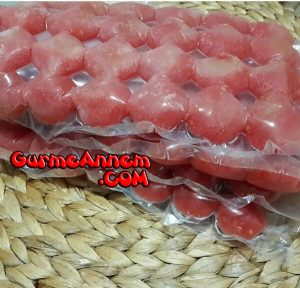 - derin dondurucuda domates nasil saklanir 9ayveuzeri 300x288 - Derin dondurucuda domates nasıl saklanır ( 9 ay ve üzeri )