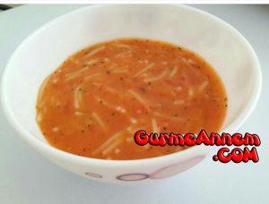 - domatesli eriste corbasi 9ayveuzeri 300x228 - Miniklere Domatesli Erişte Çorbası ( 9 ay ve üzeri )