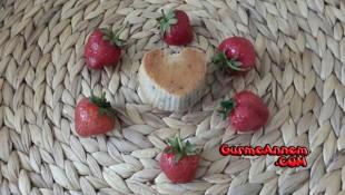 Bebeklere Çilekli Muffin ( +12 Ay)