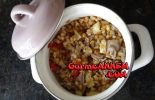 Kuzu etli ve sebzeli siyez bulgur pilavı (+7 ay ve üzeri)
