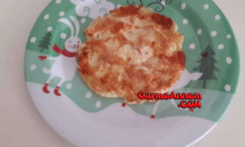 Keçi peynirli omlet (1 yaş ve üzeri )