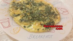 Miniklere Ispanaklı Omlet ( 1 yaş ve üzeri )