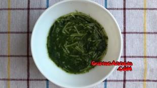 Ispanaklı şehriye çorbası ( 8 ay ve üzeri )