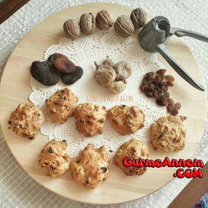 - kuru meyveli sekersiz kurabiye 1yasveuzeri glnr 300x300 - Kuru Meyveli Şekersiz Kurabiye ( 1 yaş ve üzeri )