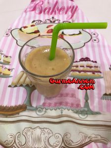 - kefirli meyveli smoothie 8ayveuzeri 225x300 - Kefirli Meyveli Smoothie ( 8 ay ve üzeri )